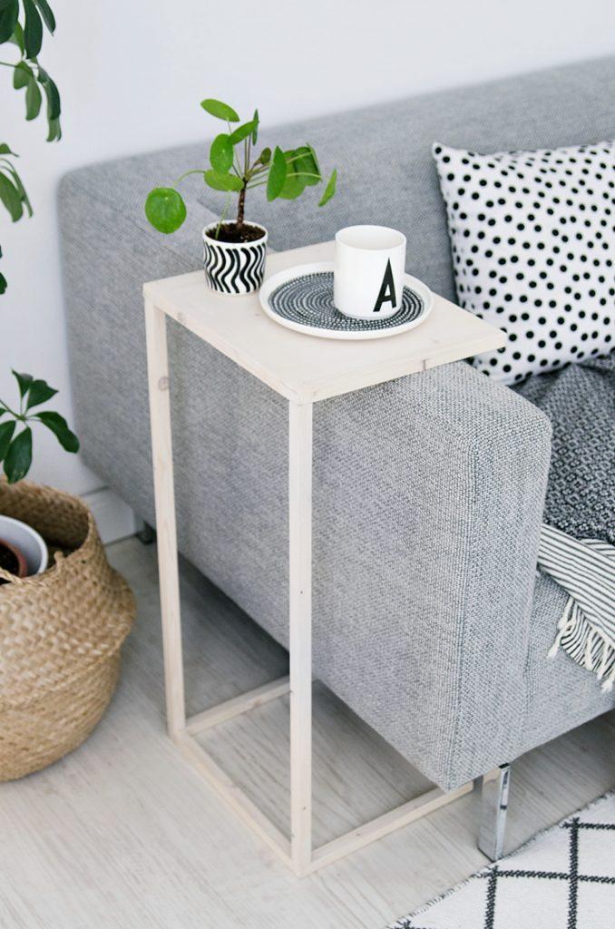 Simpler DIY Beistelltisch aus Holz