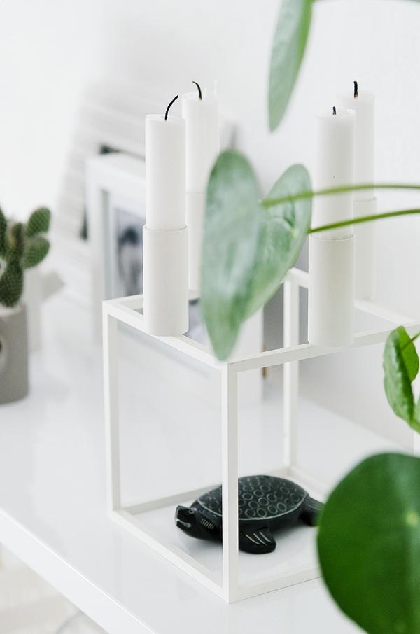 Kubus Kerzenständer by Lassen