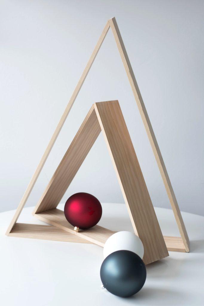 DIY Weihnachtsbaum aus Holz für Puristen