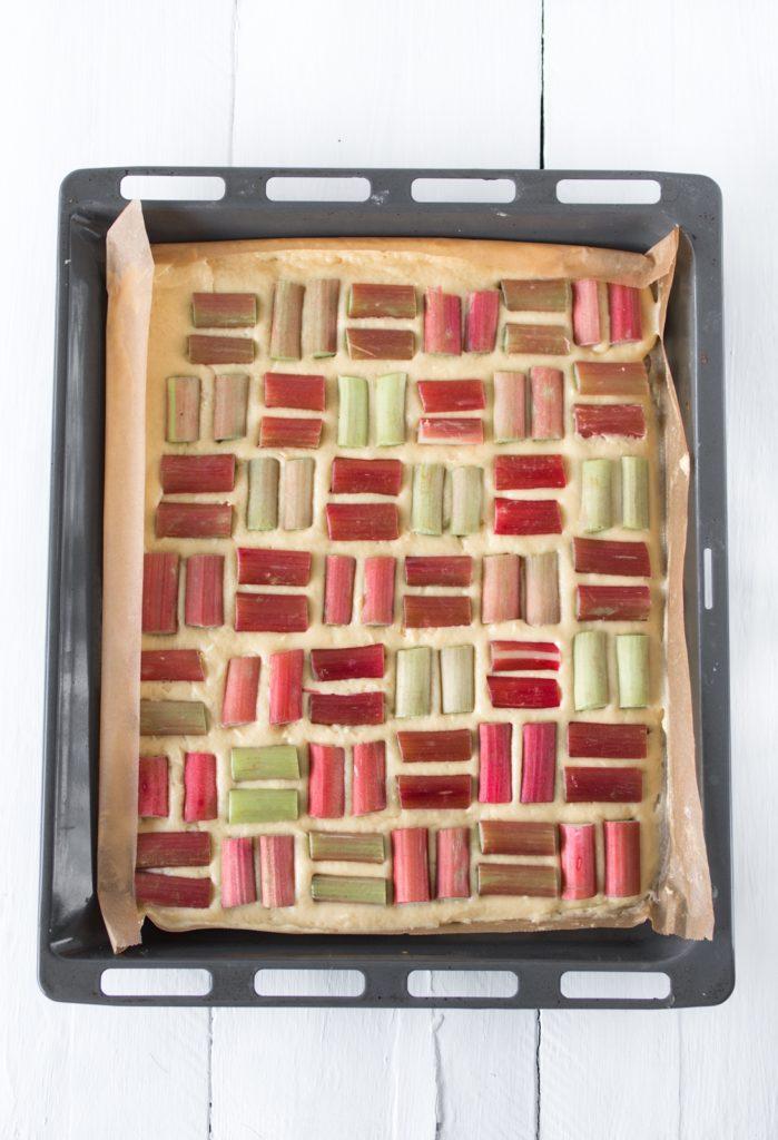 Rezept: Einfacher Rhabarberkuchen vom Blech