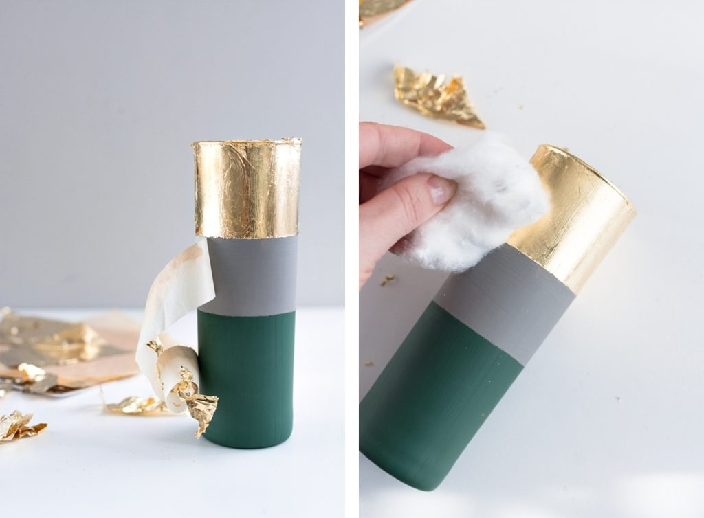 DIY Weihnachtsgeschenk: Stilvolle Struktur-Vasen mit Kreidefarbe und Blattgold #DIYnachten