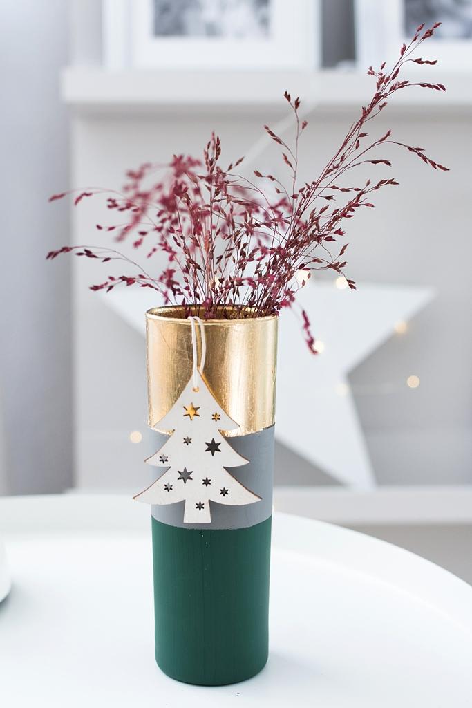 DIY Weihnachtsgeschenk: Stilvolle Struktur-Vasen mit Kreidefarbe und Blattgold