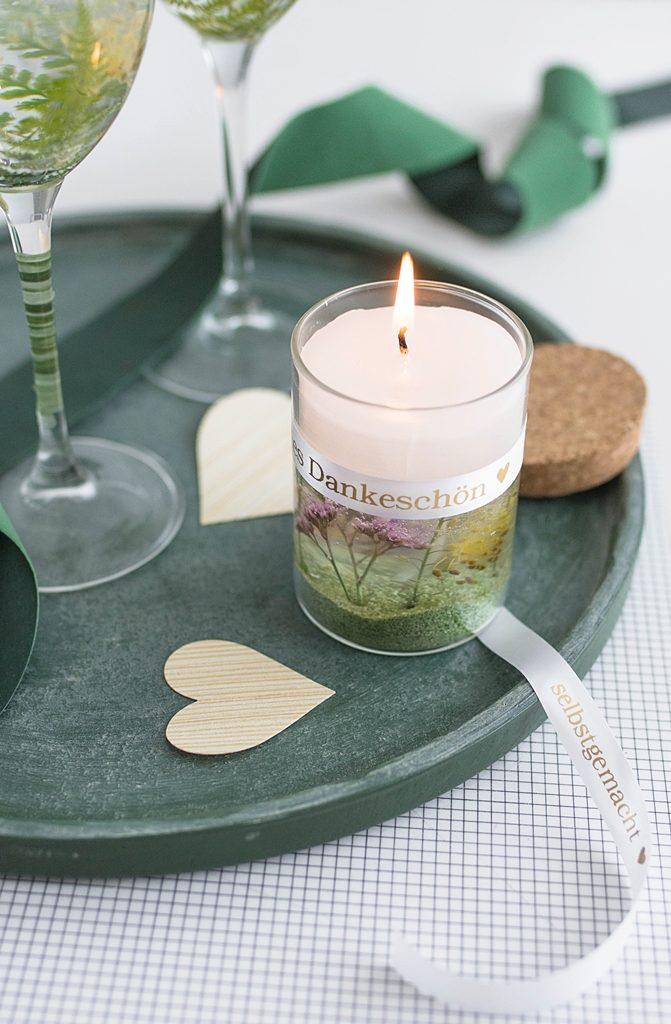 Sommerliche Gel-Kerzen mit echten Pflanzen ganz einfach selber gießen + personalisierte Geschenkbänder von Brother