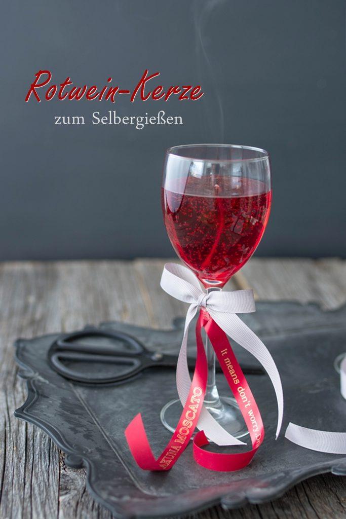 Rotwein ganz einfach selber gießen + personalisierte Geschenkbänder von Brother