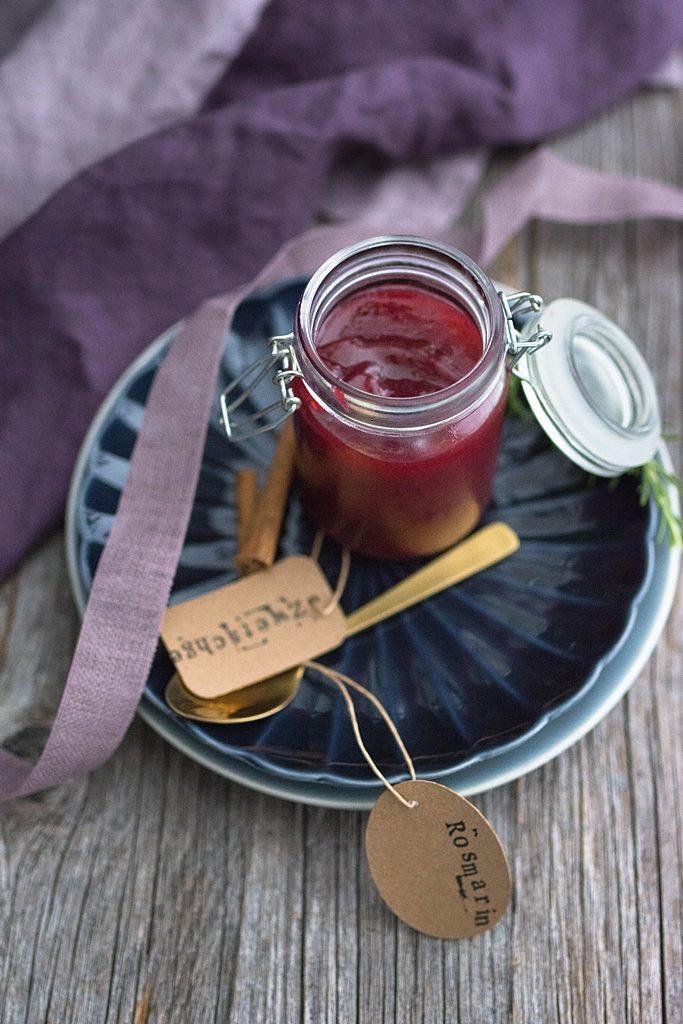 Sommersonne im Glas: Wie macht man eigentlich Zwetschgen-Marmelade?