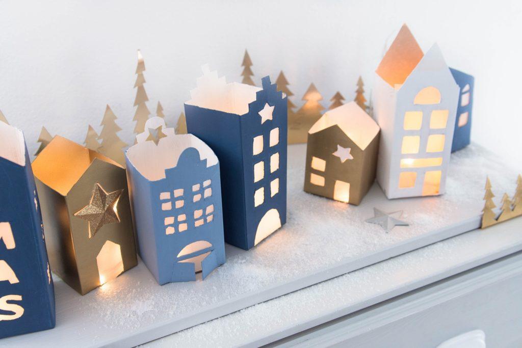 Weihnachtliche Lichthäuser aus Milch- und Saftkartons für MEIN HOFER