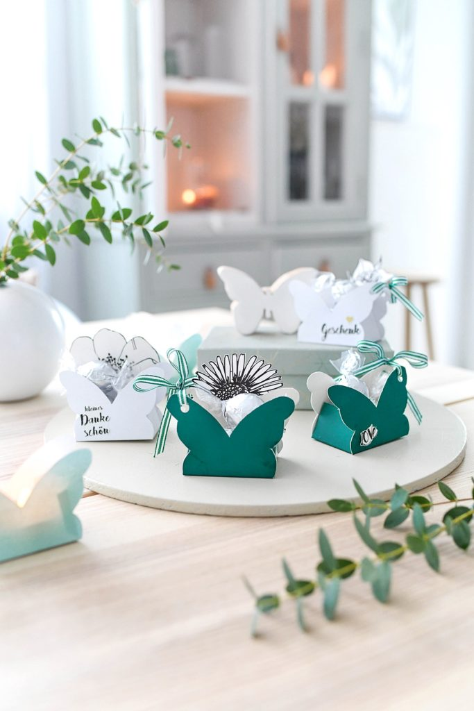 DIY Schmetterlings-Schachtel für kleine Geschenke inkl. Vorlage