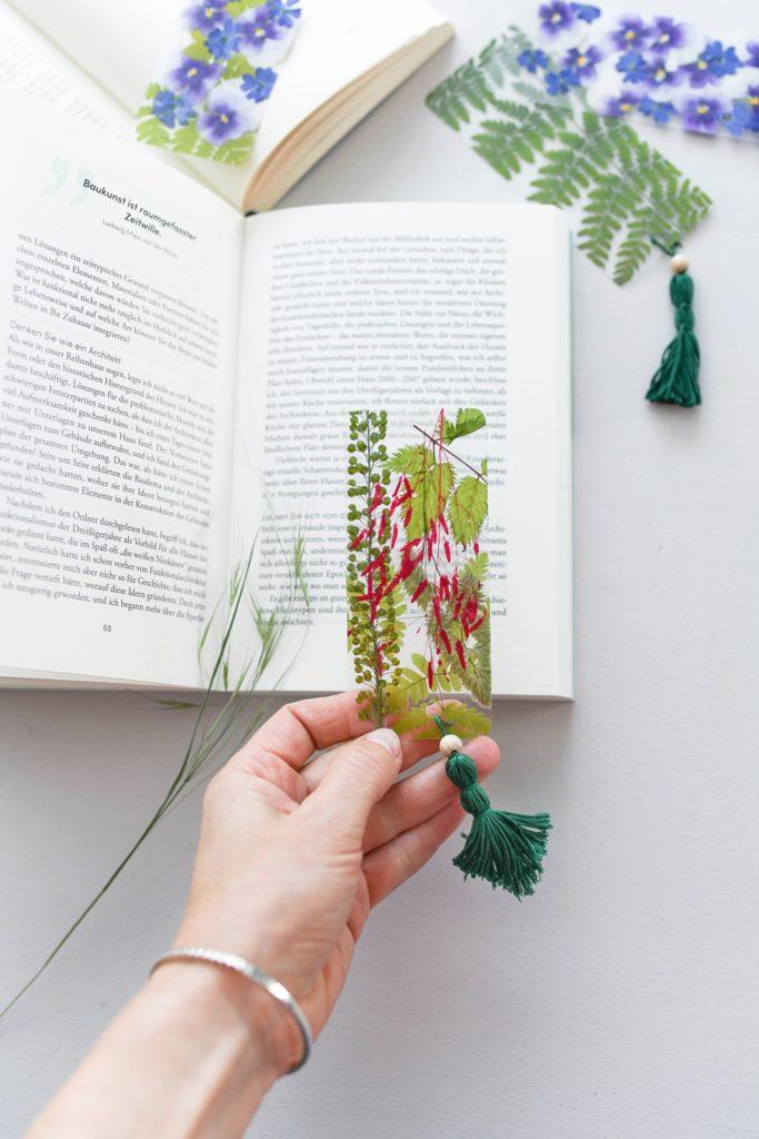 DIY Florales Lesezeichen