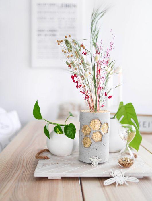 DIY Honeycomb Vase aus Beton