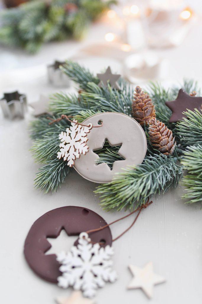 DIY-Idee aus dem Buch: Einfacher Weihnachtsbaum-Schmuck zum selber backen