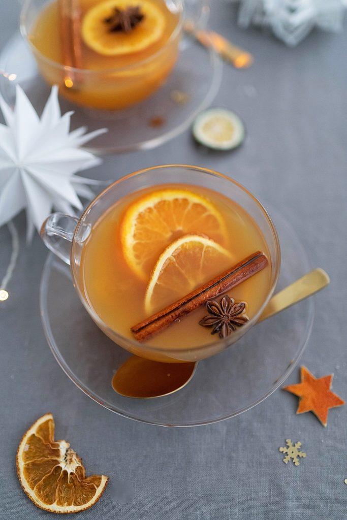 Kreativ-Adventskalender #24: Rezept für fruchtigen Glüh-Gin