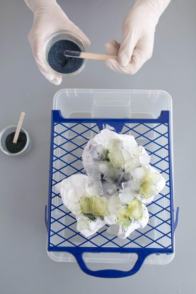 Ice Dye | Richtig cool: Tolle Muster auf Stoff färben mit Eiswürfel